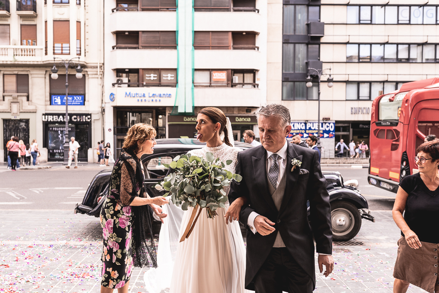 entrada novia iglesia