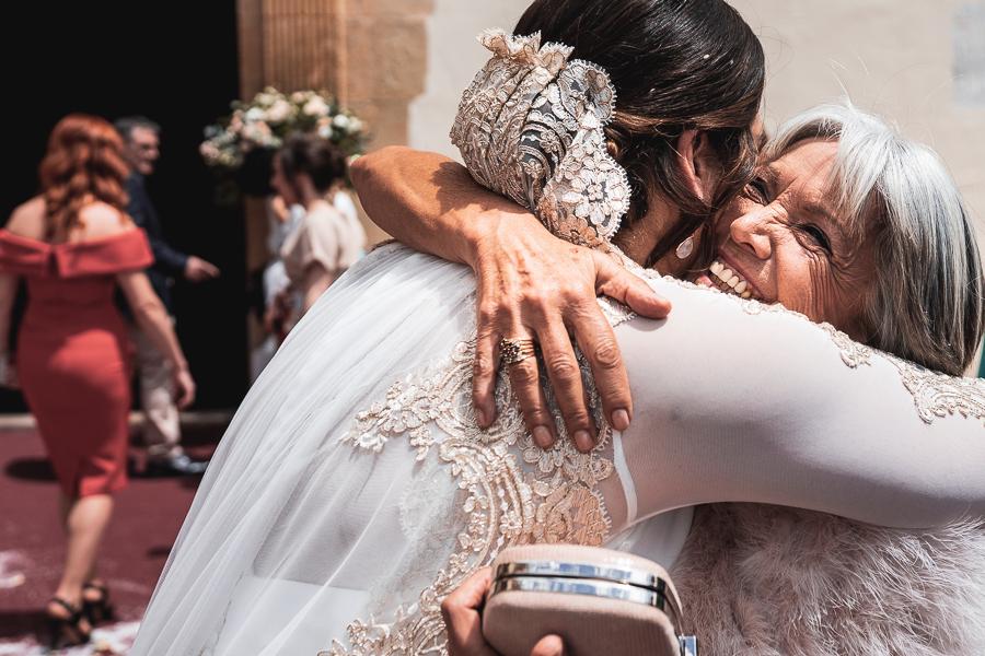 abrazo a novia