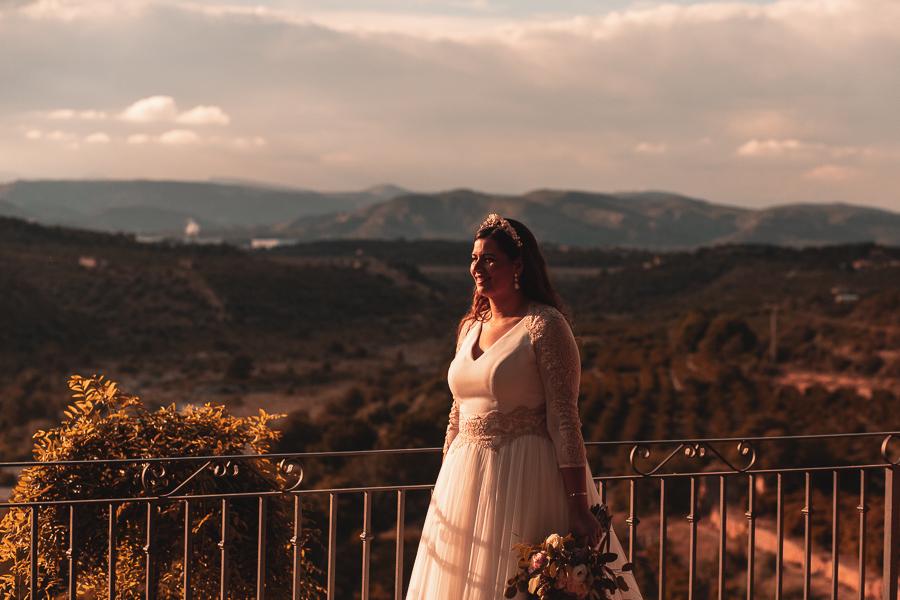 novia y ramo