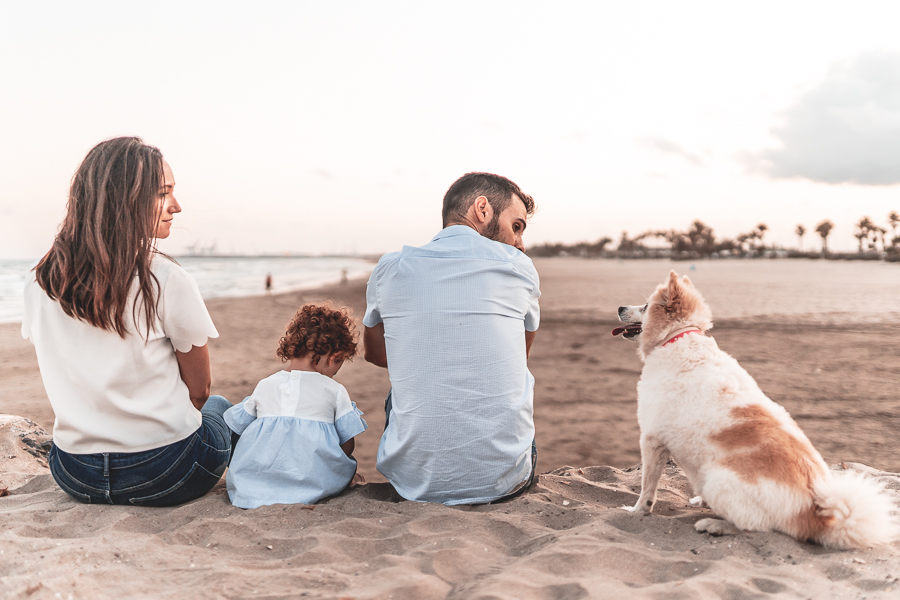 familia con perro en castellon
